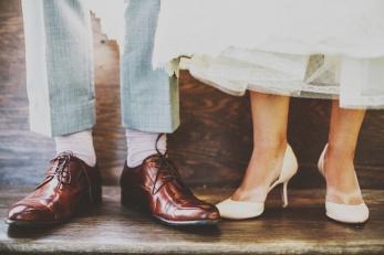 unsplash-bride groom